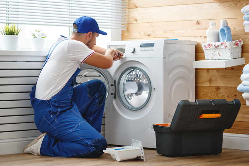 4 Reasons to Hire a Professional Appliance Repair Company